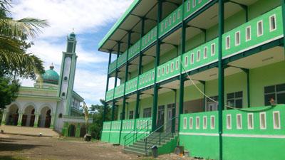 Darul Khidmah Sidogiri Bekasi didedikasikan untuk pendidikan keagamaan khusus kalangan kurang mampu. Biaya pendidikan di DKS Bekasi gratis 100%.