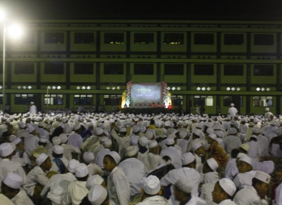Ribuan Santri Mengikuti Demontrasi Perdana Tarbiyah I'dadiyah