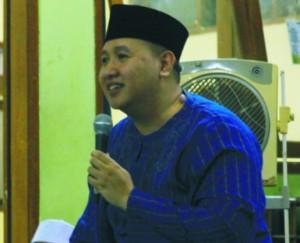 Mas d. Nawawy sadoellah saat menyampaikan motivasi di depan santri.
