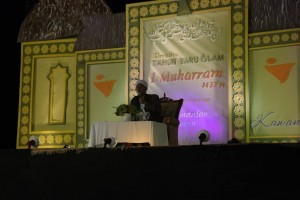 Habib Hasan bin Ismail Al-Muhdhor menyampaikan ceramahnya