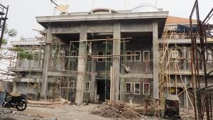 Megah : Tampak gedung 3 lantai sudah selesai. Pembangunan ini akan dirampungkan pertengahan bulan Desember