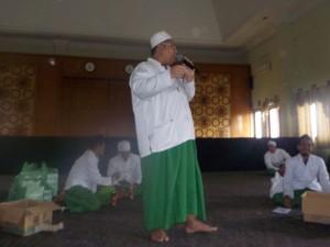 Kepala madrasah Tarbiyah Idadiyah, M. Subhan, saat memberikan sambutannya di hadapan staf pengajar Tarbiyah Idadiyah