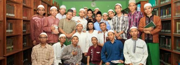 Redaksi Kabar Ikhtibar dibriefing Fotografer Jawa Pos