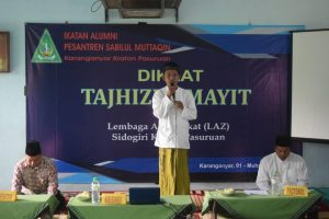 Wakil Ketua Ikatan Alumni Santri PP. Sabilul Muttaqin, Ust. Khairul Anwar memberi sambutan