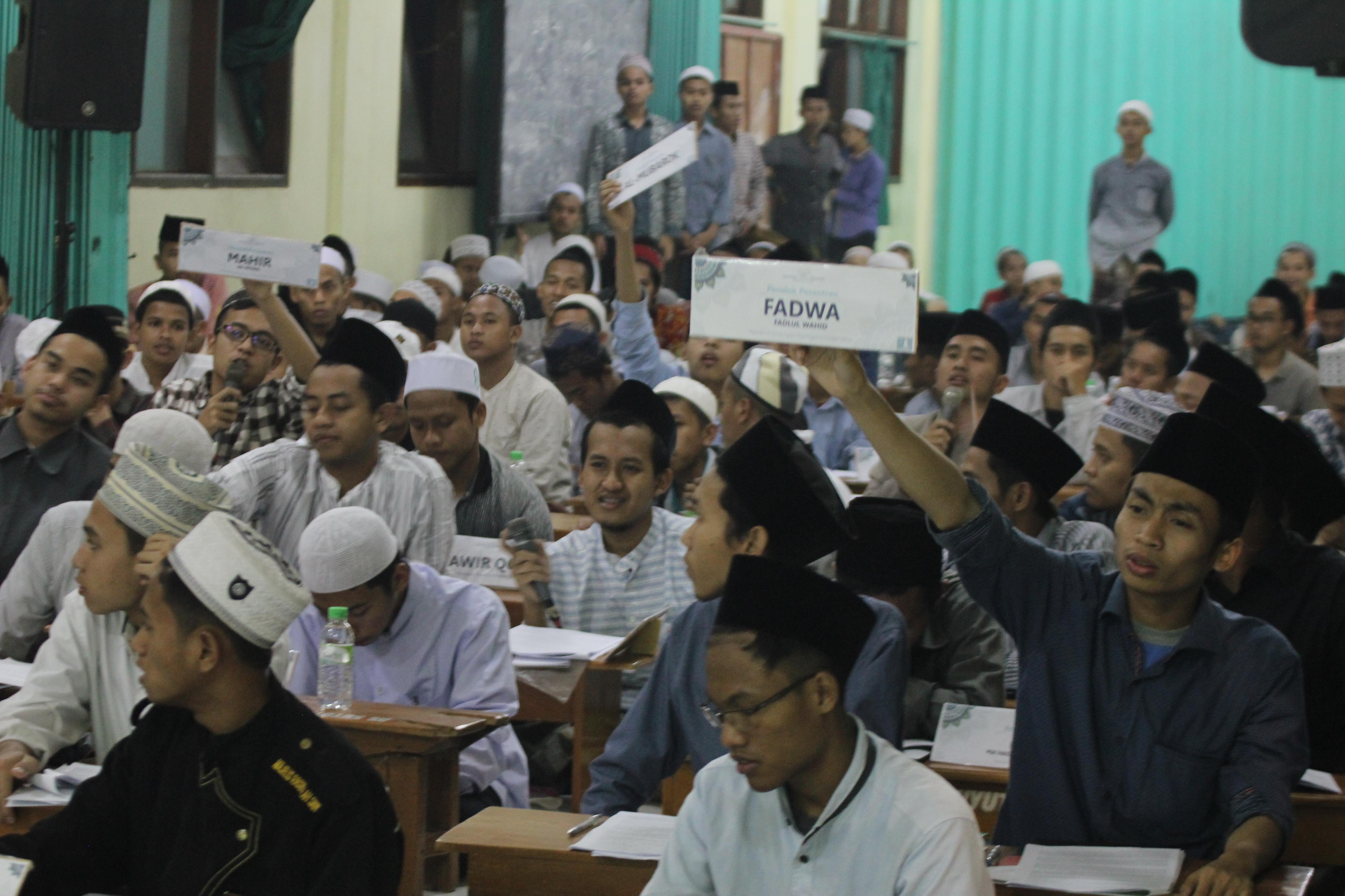 selain yaumiyah, Kuliah Syariah juga akan mengadakan event tahunan, yakni Bahtsul Masa'il