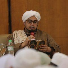 Bedah Kitab Hadirkan al-Habib Umar bin Muhammad as-Seggaf